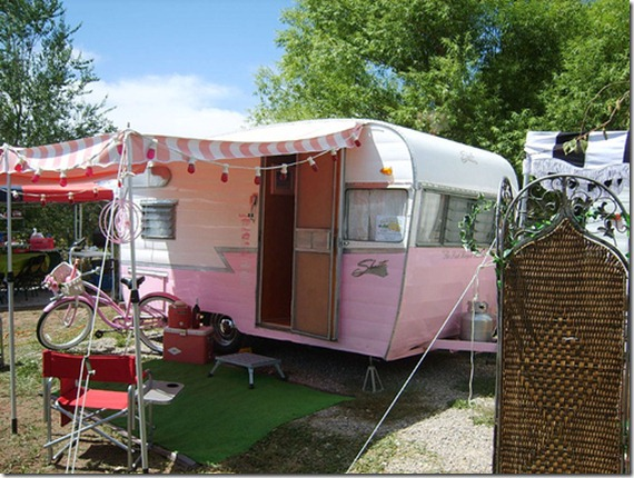 You Gotta Love A Vintage Trailer Like This One Its My Kind Of Camper Not Sure How Jeff Would Feel About Pulling Pink Beauty Behind His Big Tough SUV