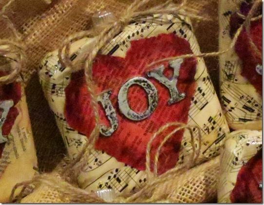 JOY gift1