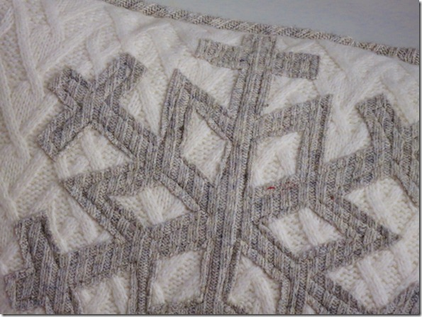 Upcycle Sweater Snowflake Pillow1 (800x600)