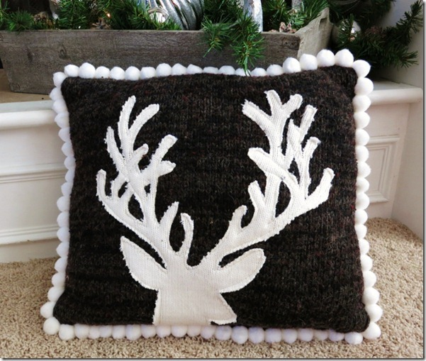 Upcycle Sweater Deep Pillow2 (800x678) (2)